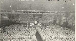 4,000 Soldiers Celebrating Yom Kippur (1945)